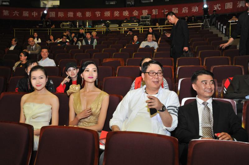 小姐旅游总统冠亚军亮相北京电影节推荐红毯!俄罗斯电影颁奖的世界图片